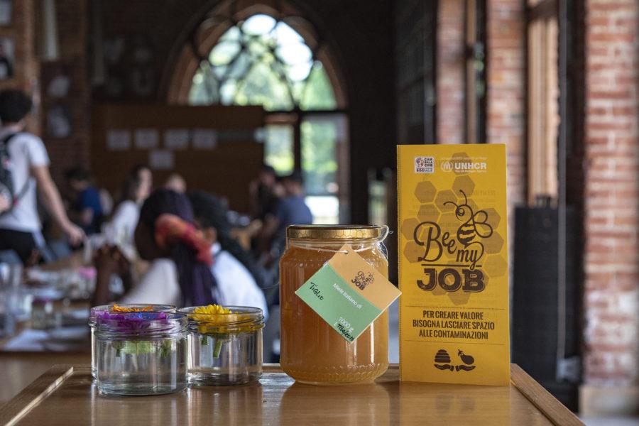 Le Tavole Accademiche dell'UNISG scelgono il miele Bee My Job